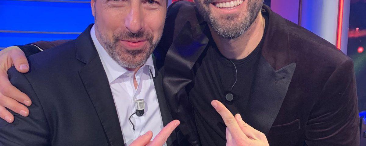 El pianista Alberto de Paz y el presentador Roberto Leal de Canal Sur.